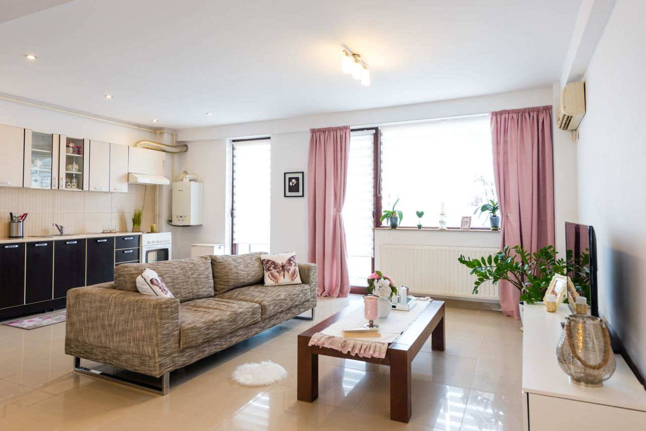 Apartament cochet cu priveliște admirabilă spre lac