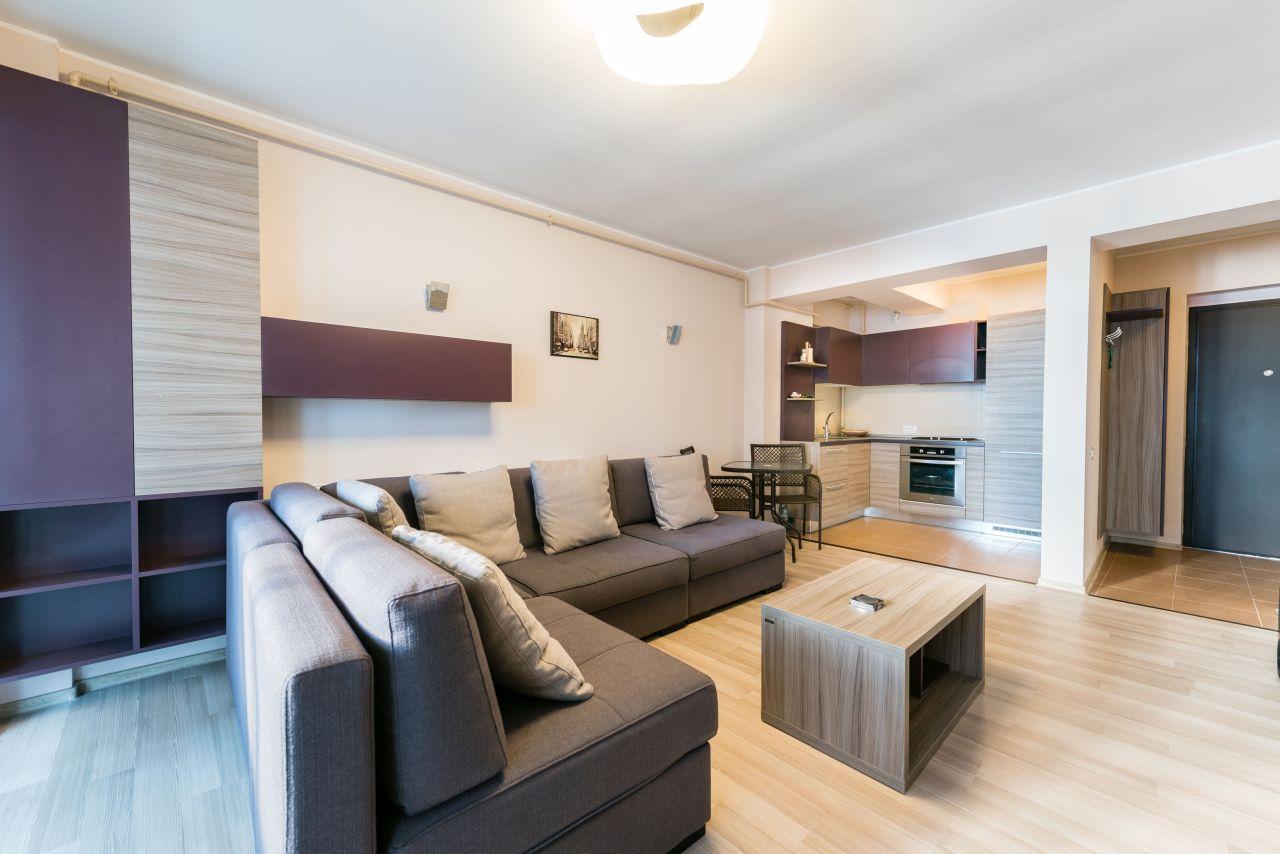 Apartament mobilat și utilat în Mamaia, zona Butoaie/Barrels Pub