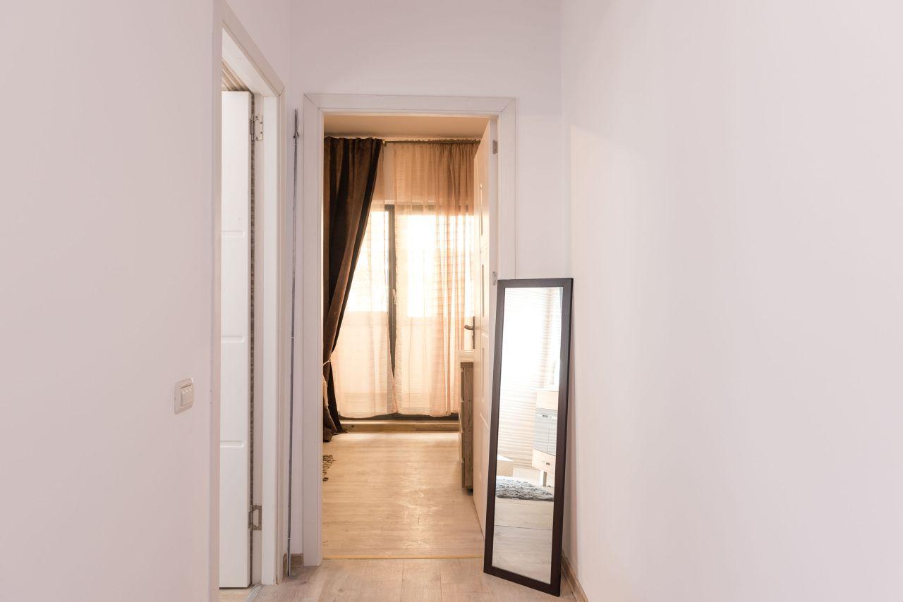 Studio mobilat in Mamaia langa Plaja 004