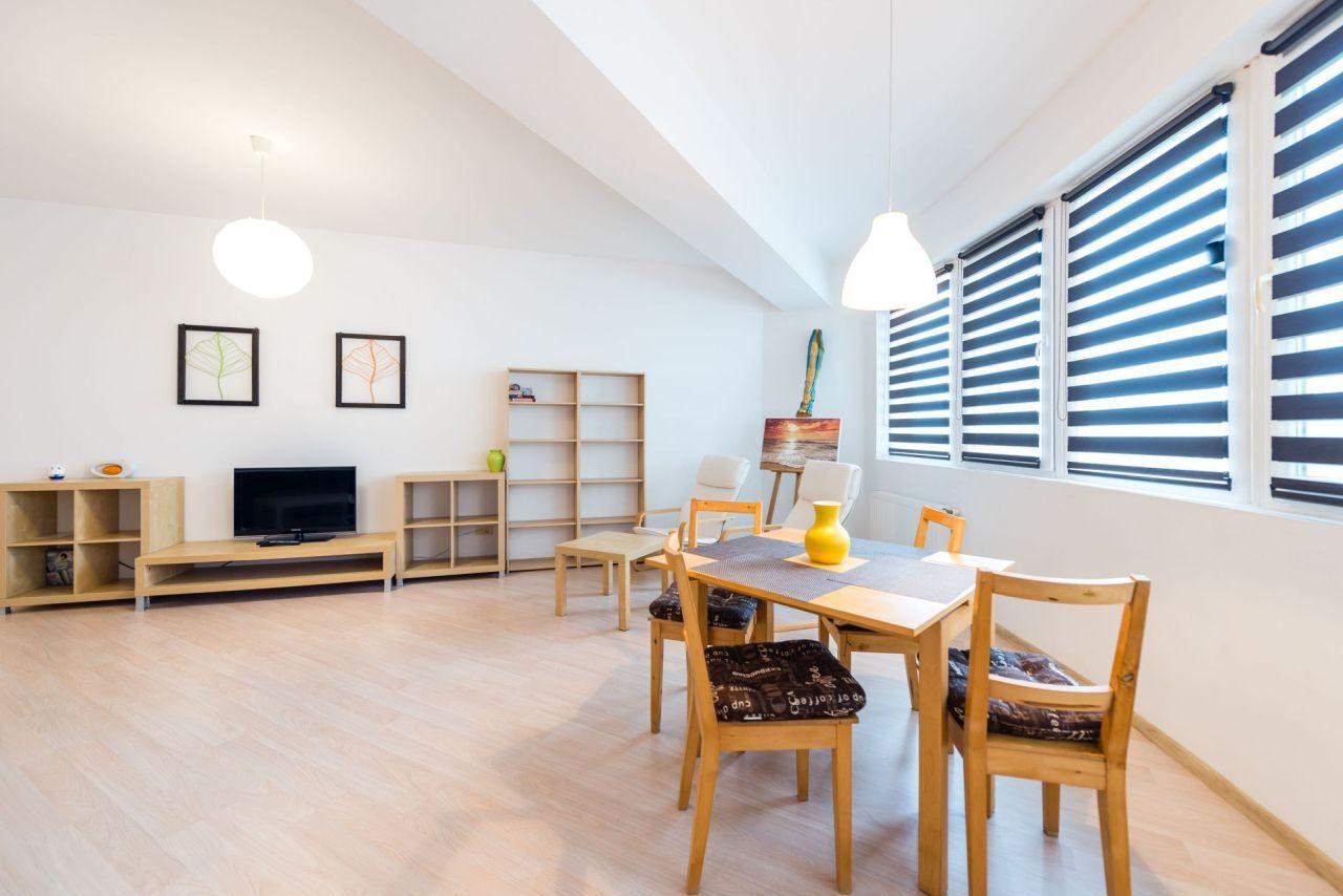 Apartament cu suprafață generoasă în Summerland Mamaia