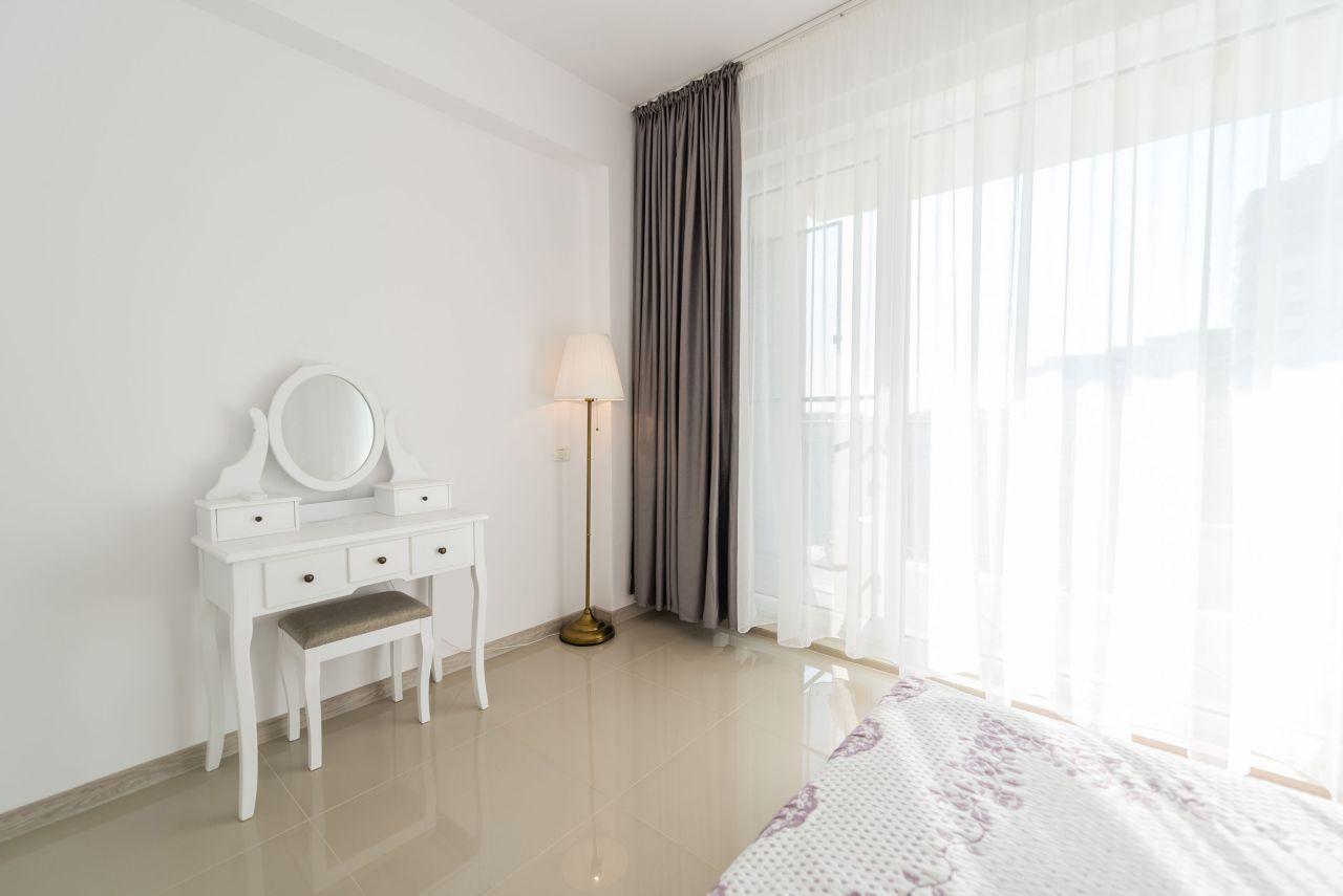Apartament premium cu terasa si vedere la mare in complex rezidential 005
