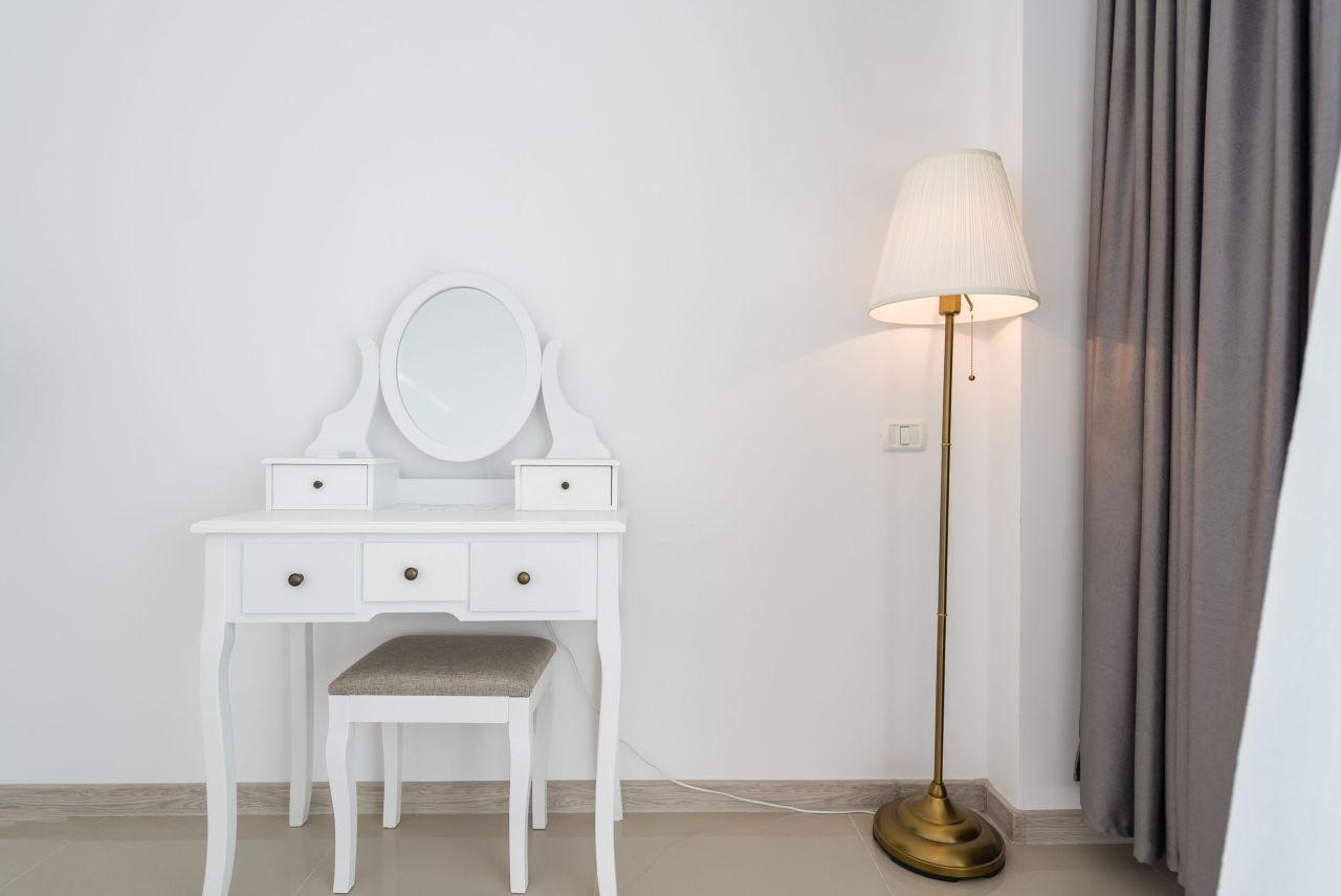 Apartament premium cu terasa si vedere la mare in complex rezidential 010