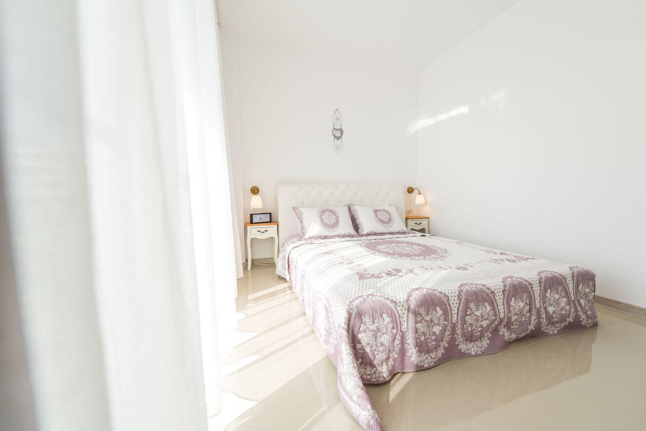 Apartament premium cu terasa si vedere la mare in complex rezidential 013