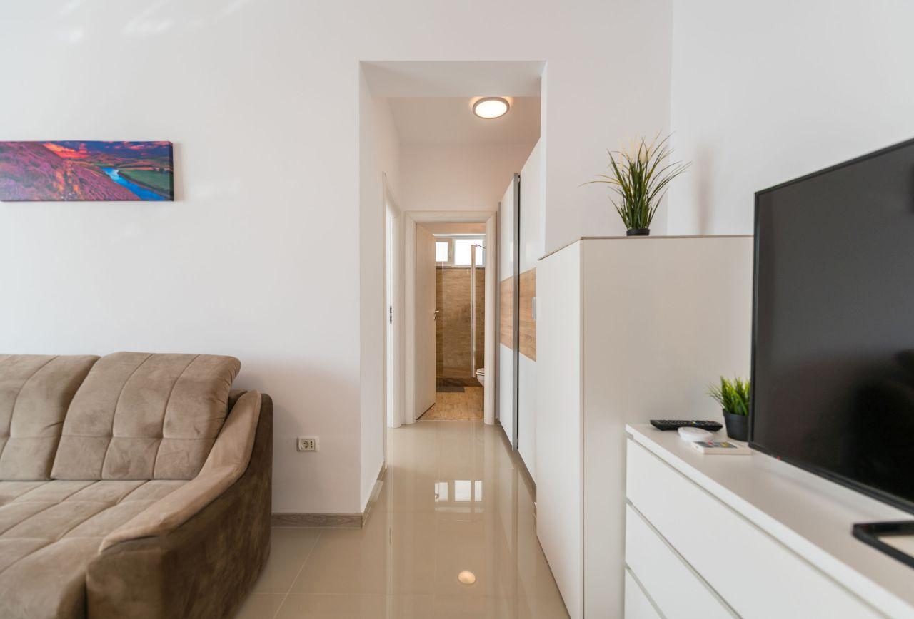 Apartament premium cu terasa si vedere la mare in complex rezidential 014