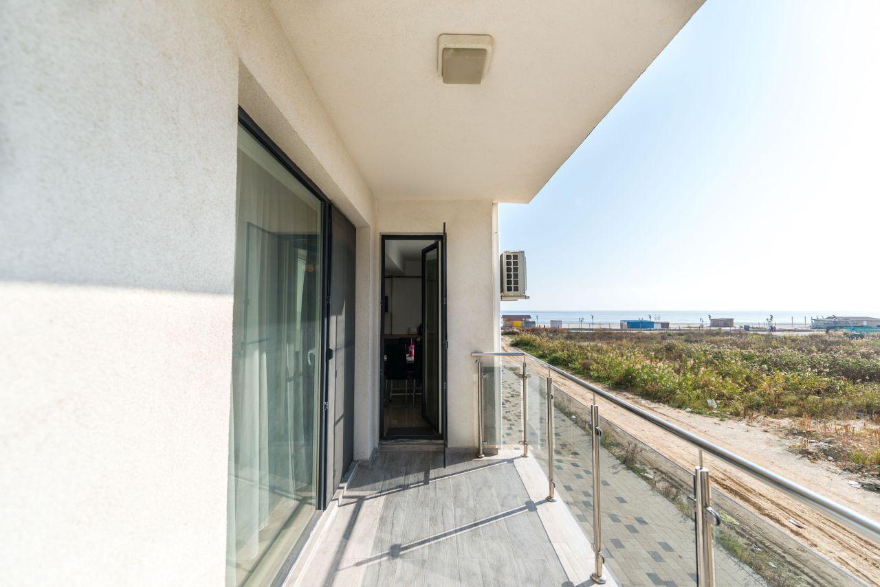 Apartament premium cu terasa si vedere la mare in complex rezidential 016