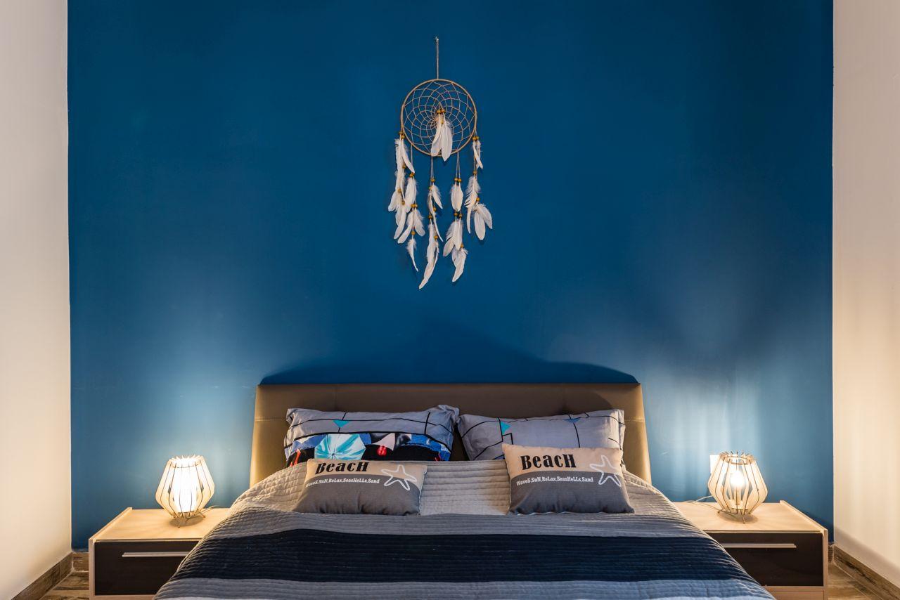 Blue Ink Apartment - Kazeboo Beach Mamaia