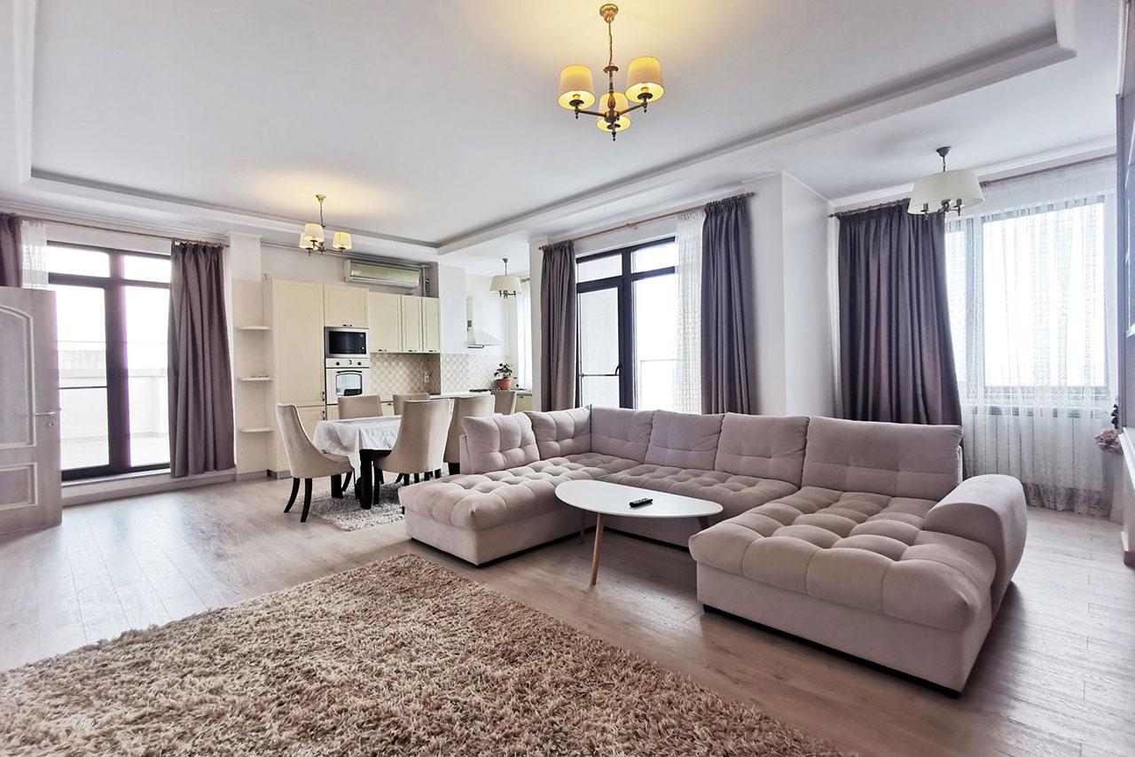 Apartament Spectaculos – Faleza Nord – Priveliște superbă spre mare și oraș