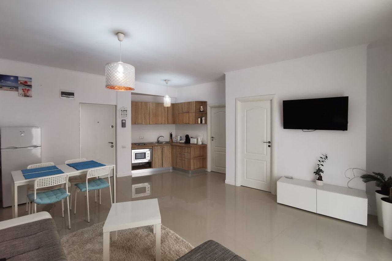Apartament mobilat si utilat superb aproape de plaja