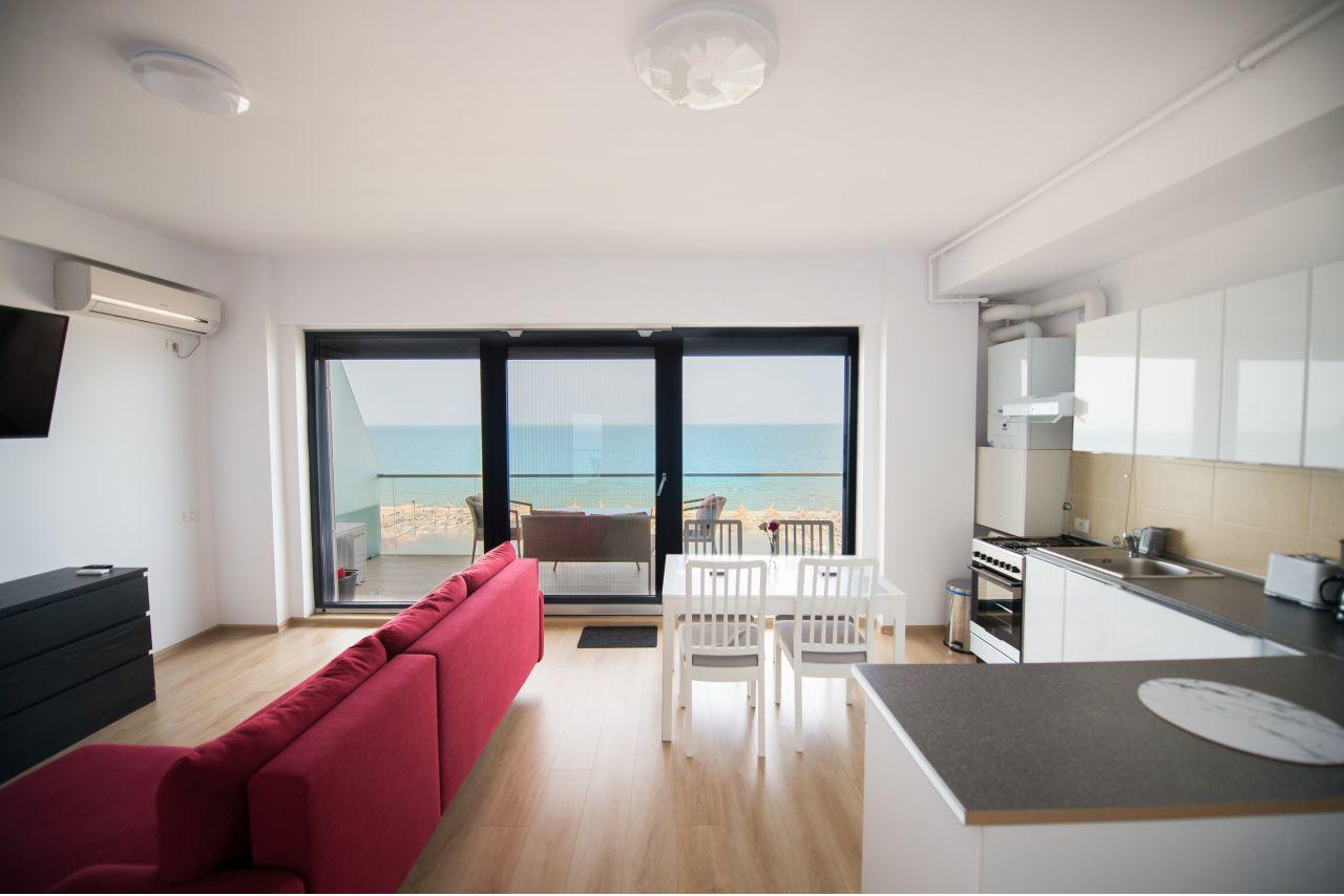 Apartament cu priveliște frontală la mare în clădire premium