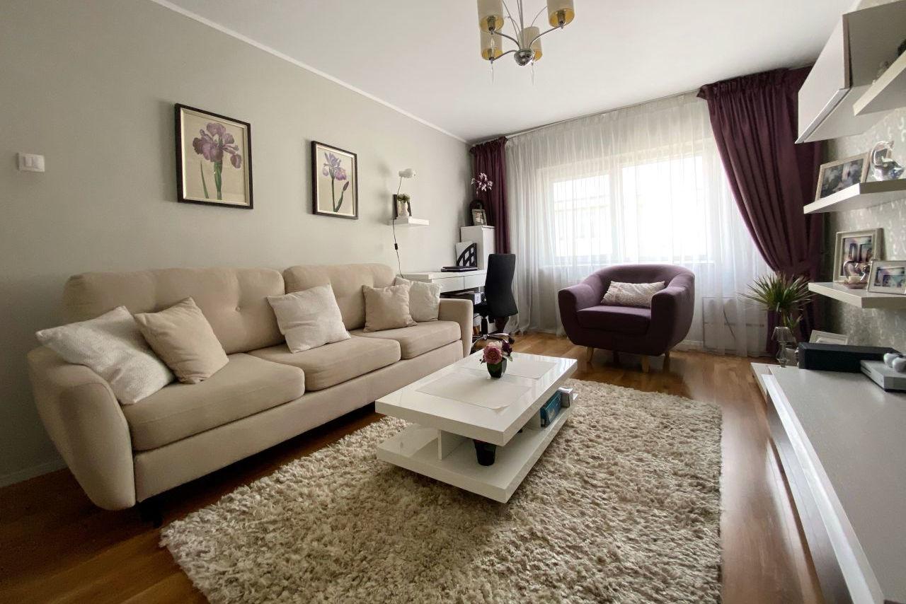 Apartament cu 3 camere decomandat, mobilat și utilat | gaze