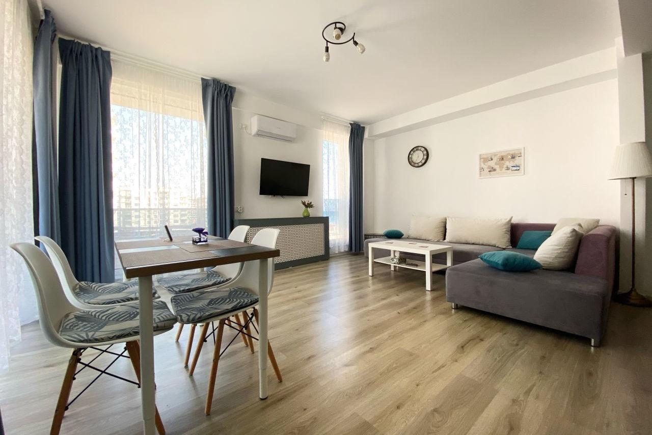 Apartament cu 2 camere și vedere laterală permanentă către mare