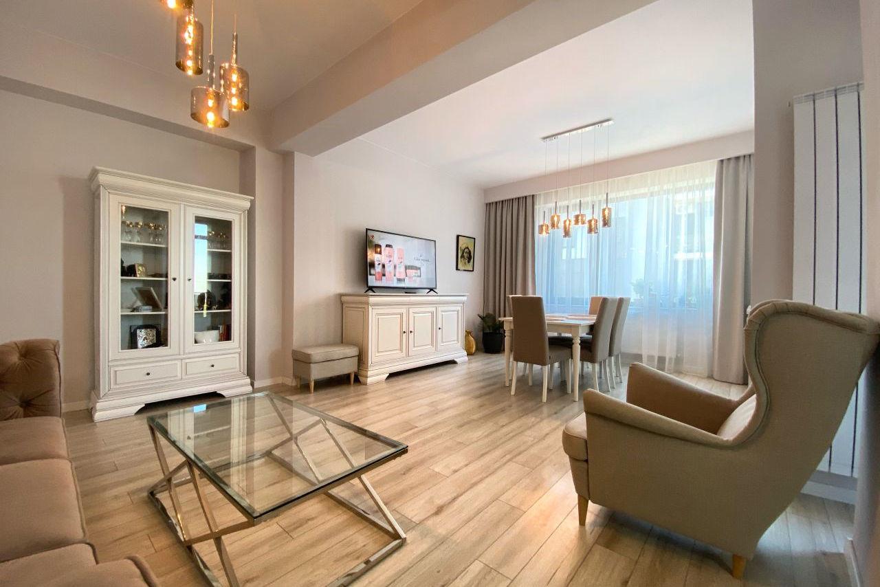Apartament cu 3 camere mobilat și utilat superpremium