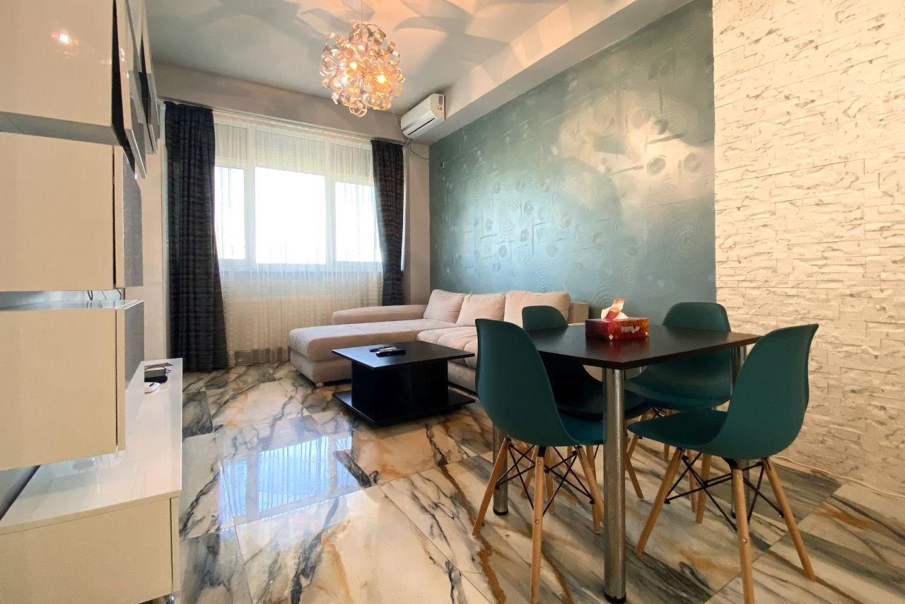 Apartament cu 3 camere la doar 50 de metri de plajă