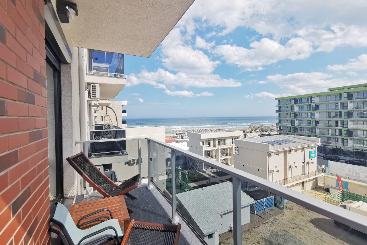Apartament cu 2 camere langa plajă cu vedere la mare
